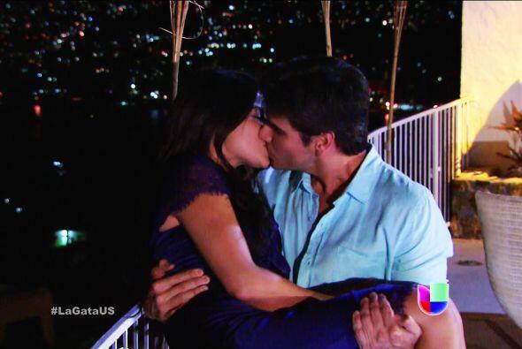 Esos besos estuvieron repletos de pasión y de ternura.