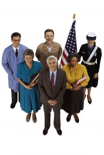 MÁS TRABAJOS - El Gobierno federal es uno de los empleadores más grandes...