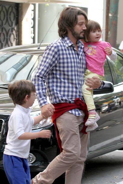 Diego Luna y Fiona Su adoración es esta tierna niña de tres años que sie...