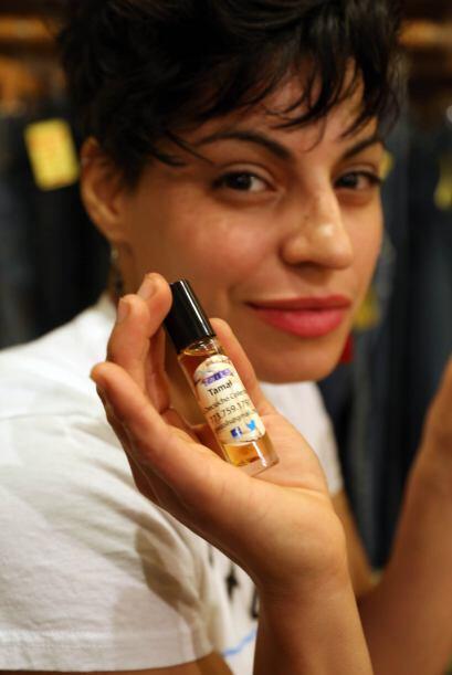 PERFUME CON AROMA A TAMAL.  Este peculiar y original perfume está confec...