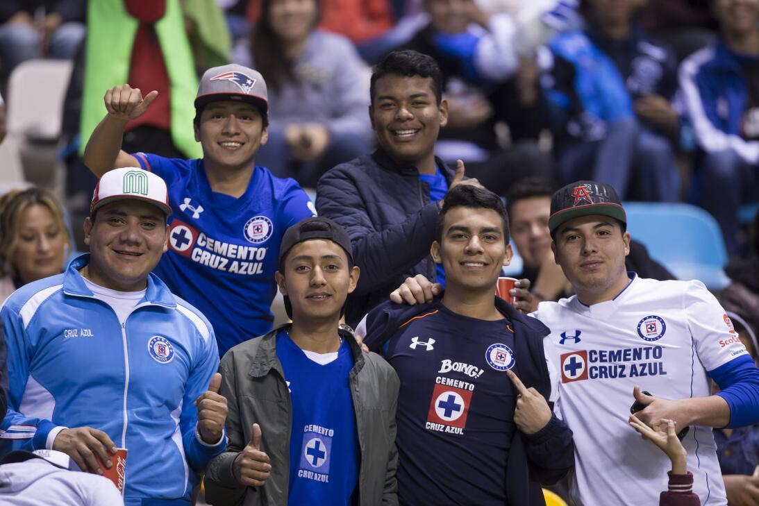 Porristas y fanáticos de Cruz Azul y Atlas en Copa MX 20180207-2287.jpg