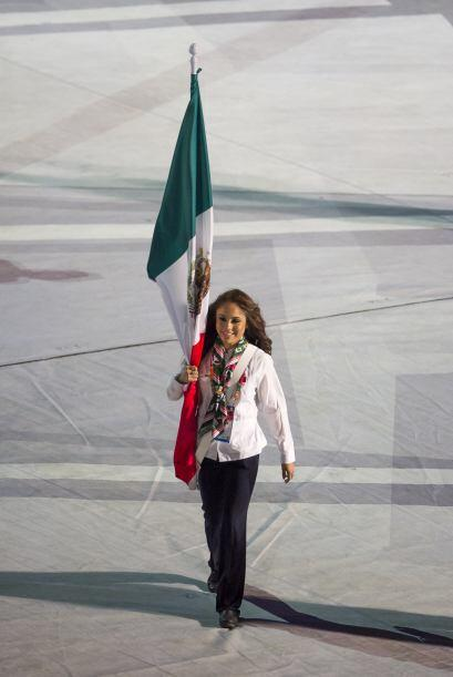 Paola Longoria salió con la bandera de México, encabezó el desfile de lo...