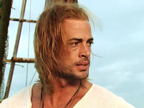 "William Levy lucía una melena larga y sedosa en ""La Tempesta..."