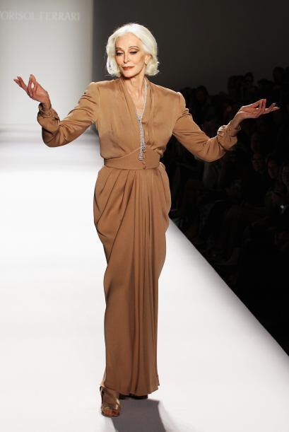 La modelo, Carmen Dell'Orefice ha demostrado en varias ocasiones que el...