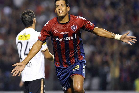 Julio Dos Santos fue el autor del otro gol guaraní para completar la serie.