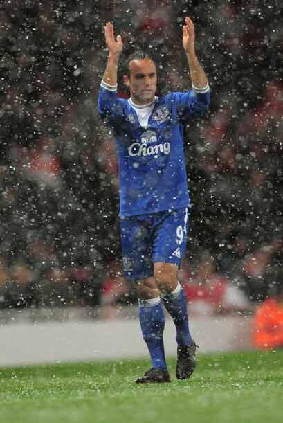 Landon Donovan salió de titular con el Everton para hacer su debut en el...