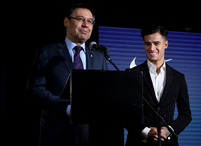 En fotos: así fue presentado Philippe Coutinho, quien estrenó sus colore...