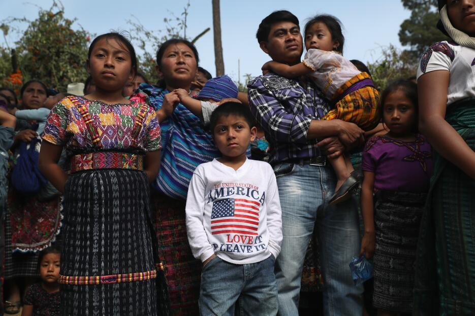 John Moore, diez años fotografiando la inmigración entre México y Estado...