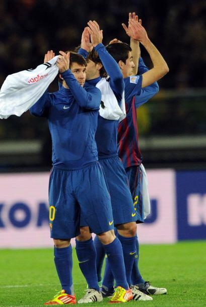Al final, el equipo español se despidió con amables saludos para el públ...