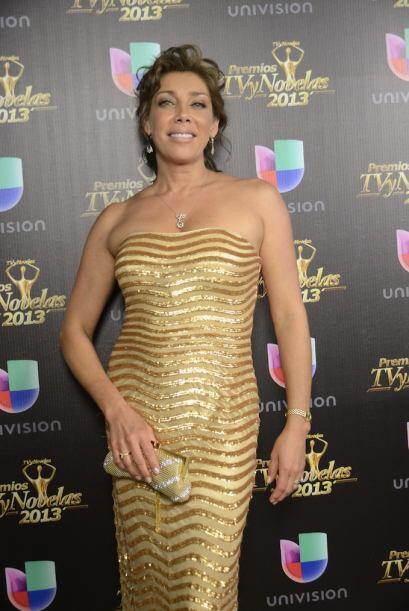 Cynthia Klitbo, una de las presentadoras de la noche.
