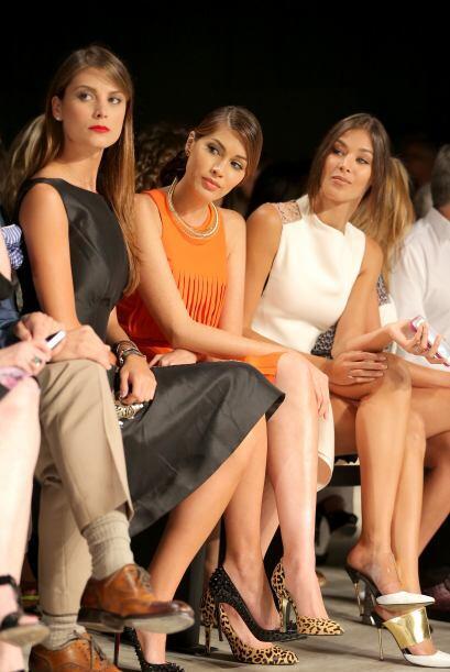 Stefania Fernandez; Gabriela Isler y Dayana Mendoza en primera fila de l...