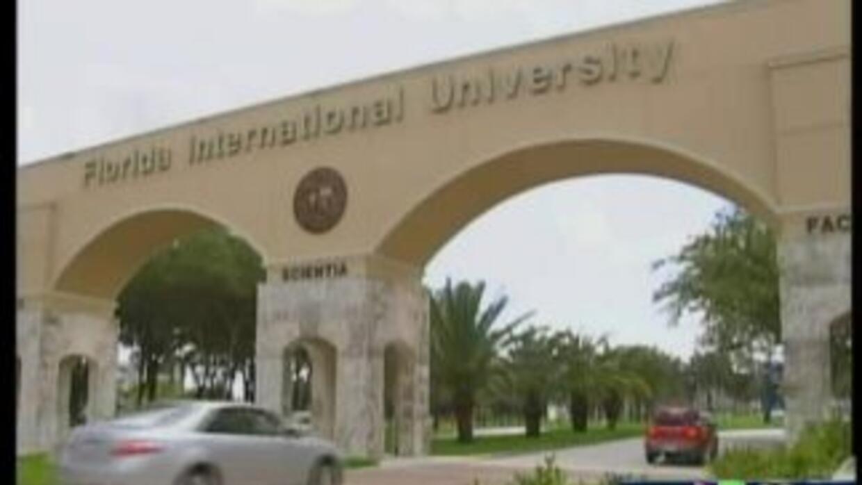 FIU aumentaró matrículas por miles de estudiantes
