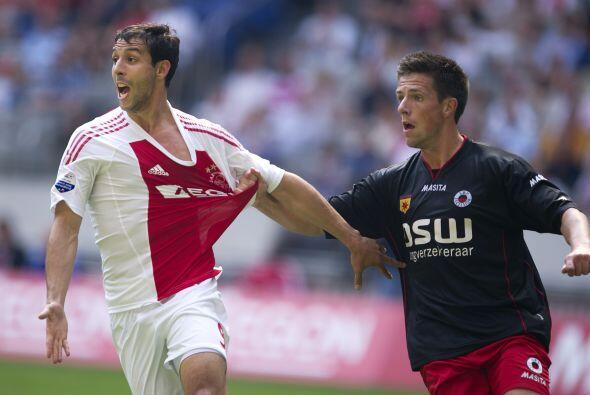 Vaya que si despierta pasiones el atacante Mounir El Hamdaoui del Ajax,...