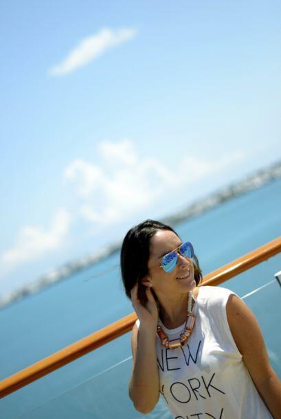 En esta fotos esta usando collar de tipo marinero. Que sea color cobre c...