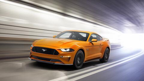 Muscle Cars New-Ford-Mustang-V8-GT-with-Performace-Pack-in-Orange-Fury-1...