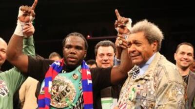 Bermane Stiverne defendera el título contra Deontay Wilder.