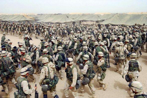 El presidente George W. Bush ordenó la invasión de Afganistán para acaba...
