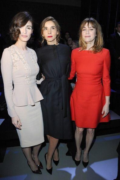 ¡Parecían trillizas estas mujeres! Paz Vega llevo un vestido unitono en...