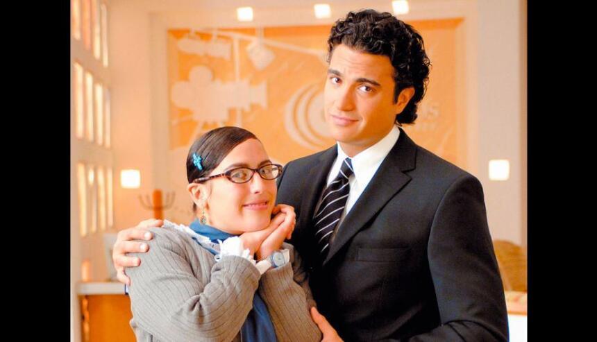 Es conocido por interpretar a Fernando Mendiola, en la exitosa telenovel...