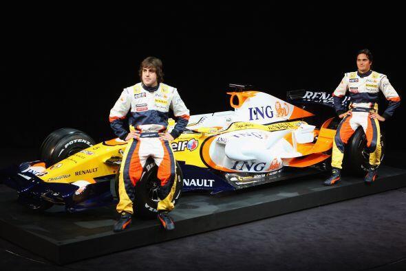 Para 2008 Fernando Alonso sería presentado nuevamente con Renault, tenie...