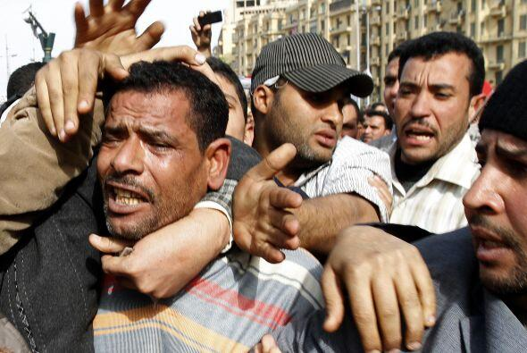 Mientras tanto, EU alienta a Egipto para que acelere su proceso de democ...