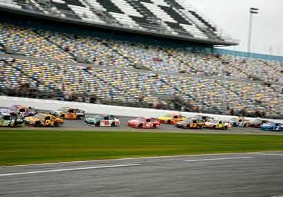 Cada evento se pelea al máximo en la categoría NASCAR.