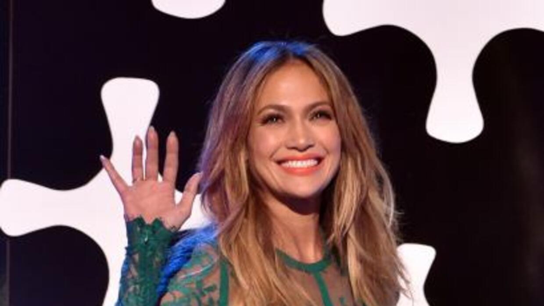 Jennifer Lopez se ve radiante.