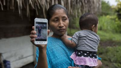 Familia de niña guatemalteca niega versión oficial sobre su muerte en custodia de la Patrulla Fronteriza