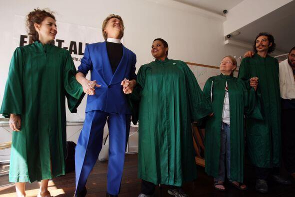 La Iglesia cuenta con un coro formado por 34 integrantes y una banda de...