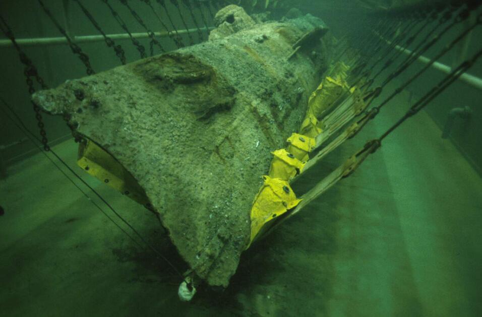 El equipo del submarino de la guerra civil finalmente puesto a descansar...