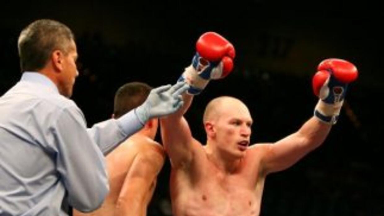 Matthew Hatton regreso al triunfo en peso welter.