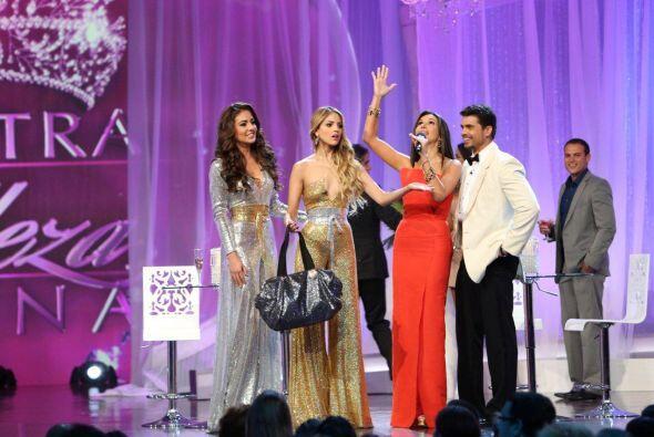 Las cinco finalistas estuvieron muy bien acompañadas en su última noche...