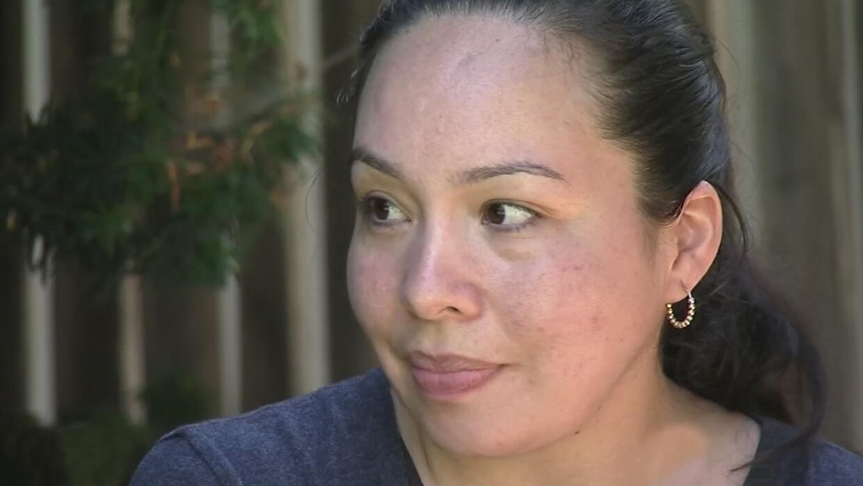 Madre hispana asegura que el padre de su hijo la dejó porque sufre de ep...
