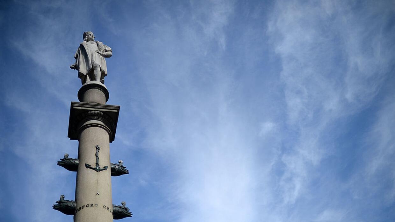 La estatua de 76 pies de alto de Cristóbal Colón en Columb...