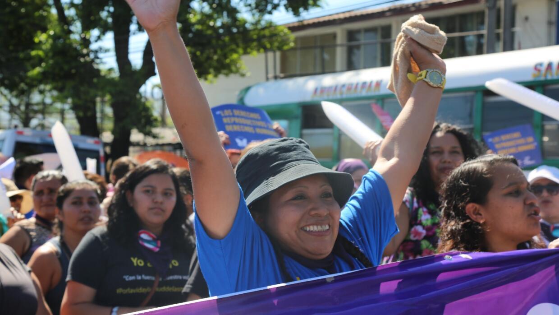 Teodora del Carmen Vásquez encabezó la protesta de este ju...