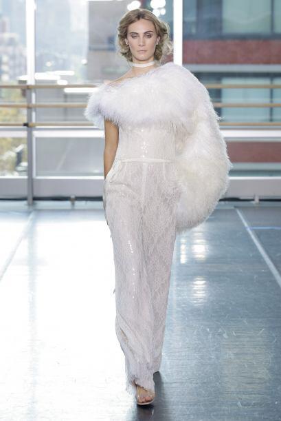 Y, por último, te presentamos el vestido o más bien, traje de novia, sól...