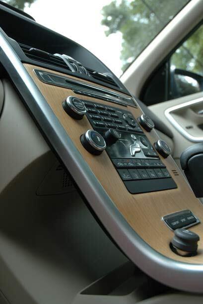 La consola flotante sigue presentandose en todos los modelos Volvo.