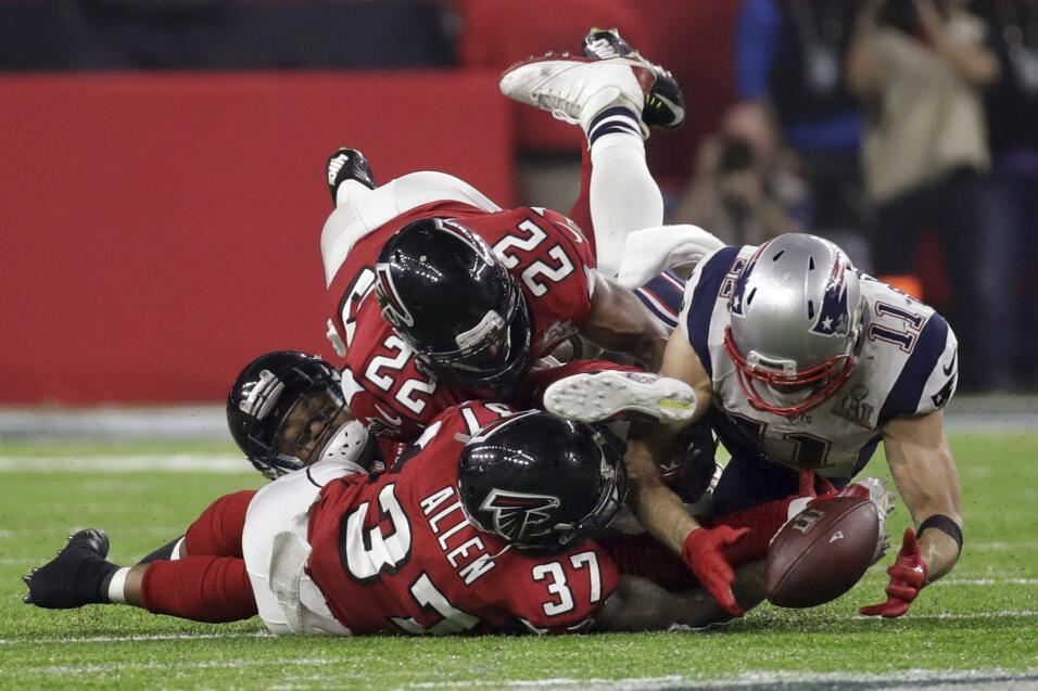 Patriots aseguran jugar todos los playoffs en Gillette Stadium ap-173327...