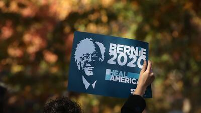 En fotos: Bernie Sanders se dirige a una multitud frente al Capitolio en Washington
