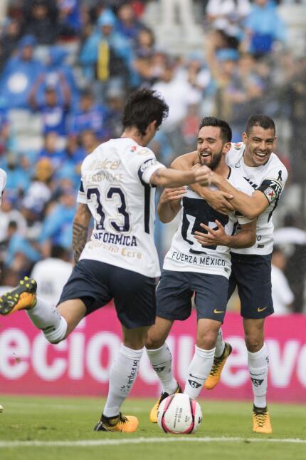 ¡Masacre en la Corregidora! Cruz Azul aplastó a Pumas 20171001-53.jpg