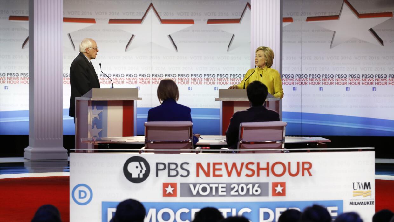Clinton y Sanders chocan por viejas posturas sobre los indocumentados de...