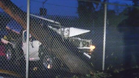 Un conductor causa apagón en Van Nuys tras chocar contra un poste de ele...