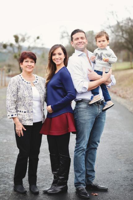 Satcha Pretto con su familia