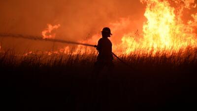 Incendios forestales devoran todo a su paso en el oeste de Oklahoma (fotos)