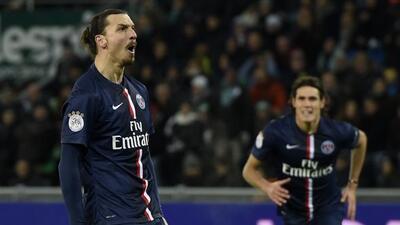 Zlatan Ibrahimovic se convirtió en el héroe del Paris Saint Germain ante...