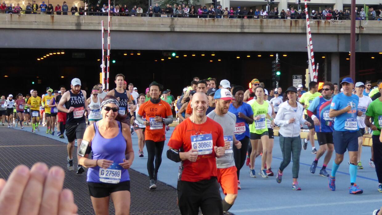 Miles de corredores de más de 100 país se dieron cita en e...