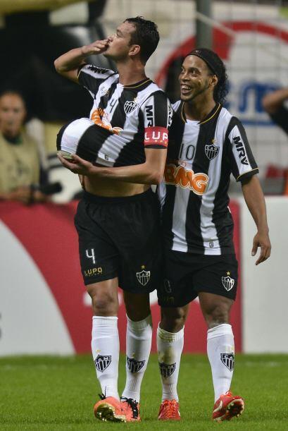 Atlético Mineiro pasó a las semifinales que se jugarán en julio y su riv...