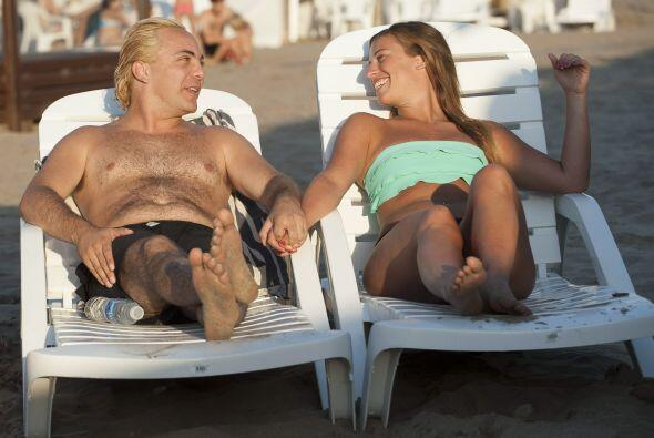 ¿Le harán otro masajito con saiote al cantante en Argentin...
