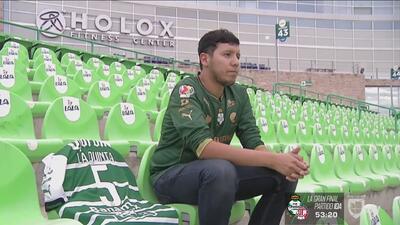 Andrés Rojas, el aficionado del Santos coleccionista de historias y camisetas