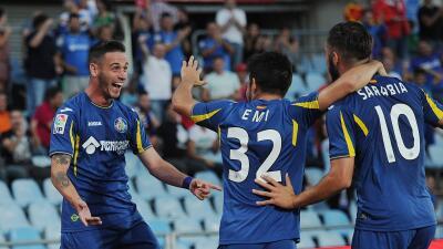 Getafe aprovecha la fallas de Las Palmas
